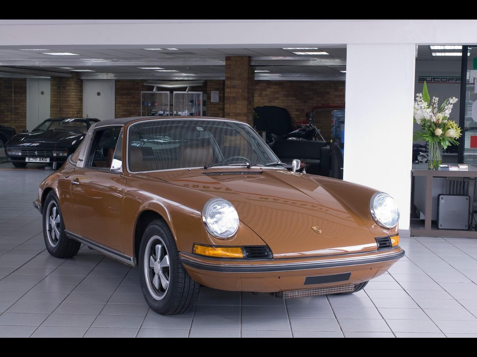 Used Porsche 911 MFI for sale in Epsom, Surrey